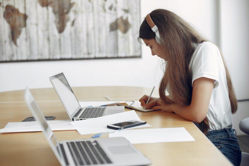 オンライン授業の形態は2種類